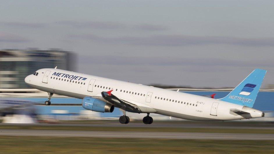 Airbus A321 společnosti Kogalymavia při vzletu.