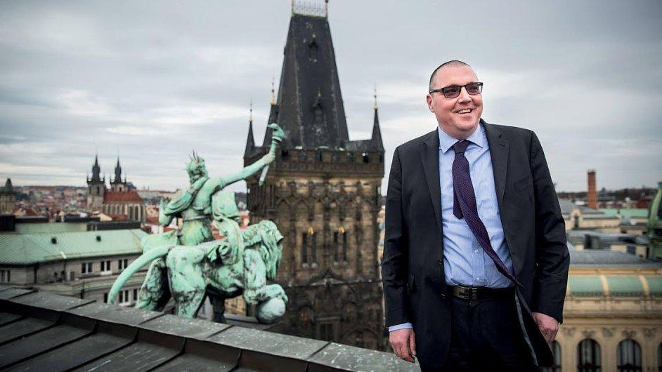 Češi milují bankovky, říká guvernér ČNB Miroslav Singer.