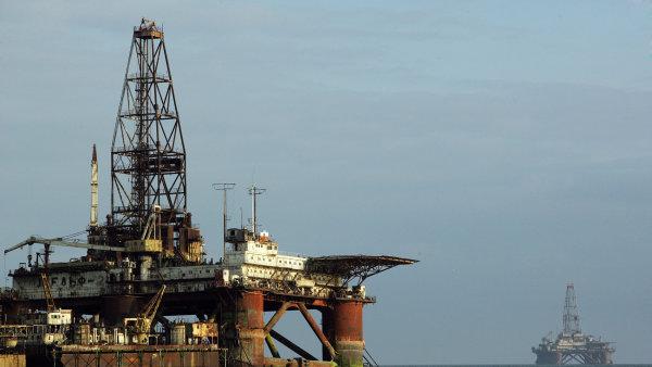 Růst produkce ropy v Rusku se po dohodě o zmrazení těžby zastavil.