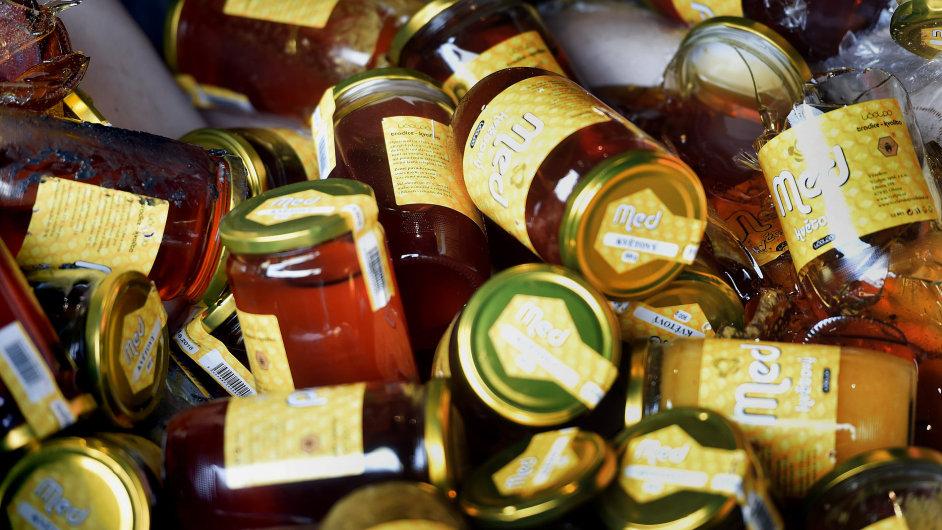 Spalovna v Ostravě začala 3. března likvidovat druhou várku medu společnosti Včelpo, ve kterém veterinární správa objevila zakázaná antibiotika.