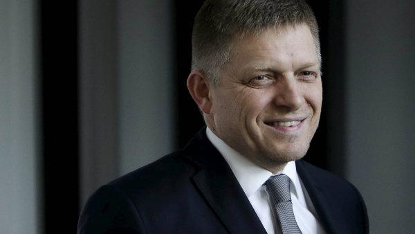 Předseda vítězné strany Směr-SD a současný premiér Robert Fico.