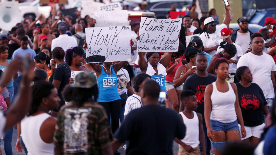 Protesty v USA proti nepřiměřeným policejním zásahům
