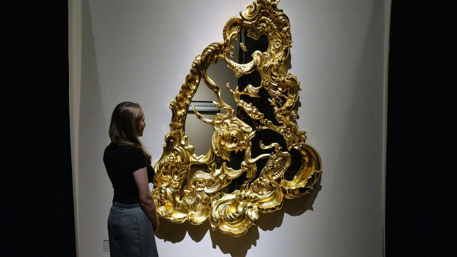 Snímek z výstavy Loni v Marienbadu v pražské Galerii Rudolfinum.
