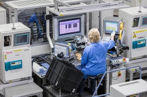Robotů je v českých firmách stále víc. Propouštění se nekoná, vzniknou nová místa