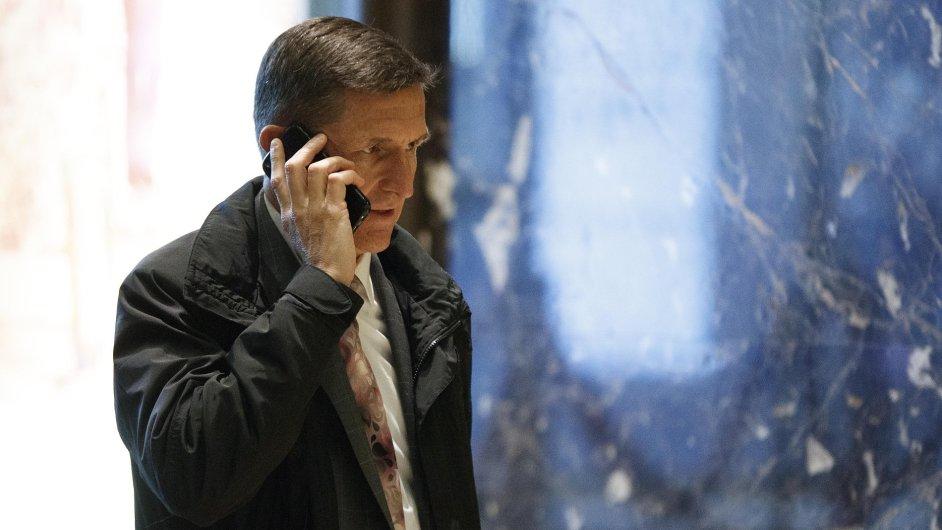 Trumpův poradce Michael Flynn udržoval kontakty s ruským velvyslancem.