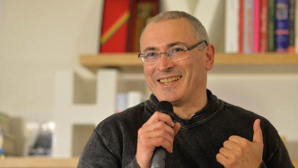 Michail Chodorkovskij oznámil odchod z čela Otevřeného Ruska.