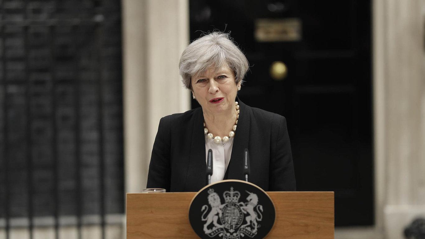 Jednotná země. Britská premiérka prohlásila, že teroristický čin se jako vždy mine účinkem, neboť země se nyní ještě více semkne vboji proti zlu.