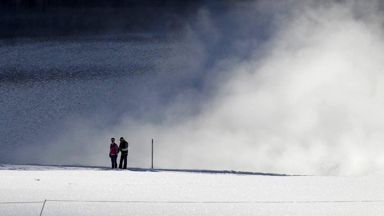 Sníh a vítr - ilustrační foto