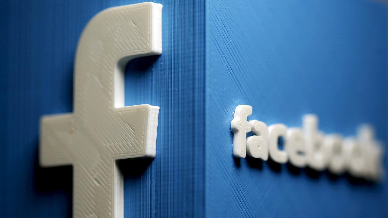 Facebook informoval o uzavření účtů Evropskou komisi v pravidelné zprávě shrnující dosavadní postup v boji s dezinformacemi na své internetové platformě. Ilustrační foto.