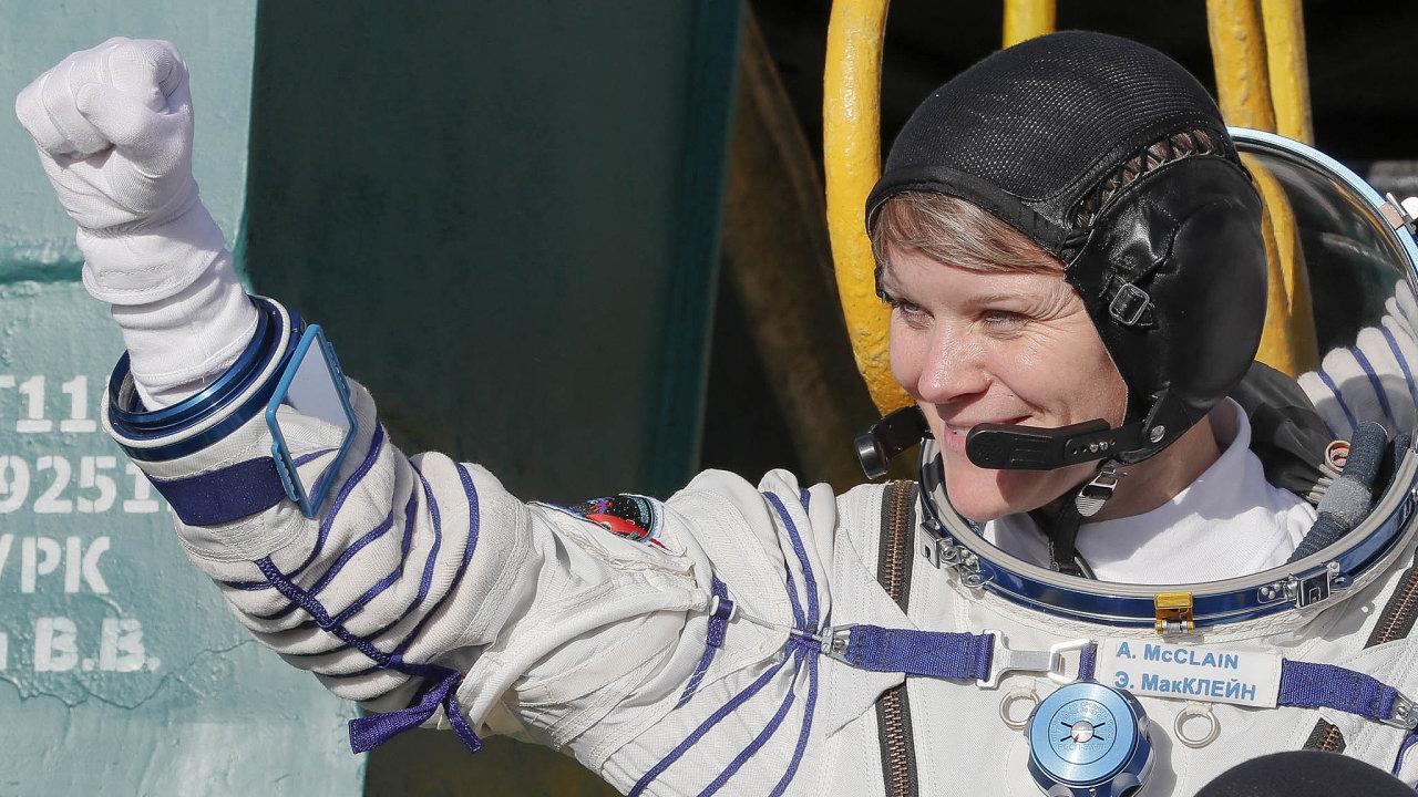 Americká kosmonautka Anne McClainová.