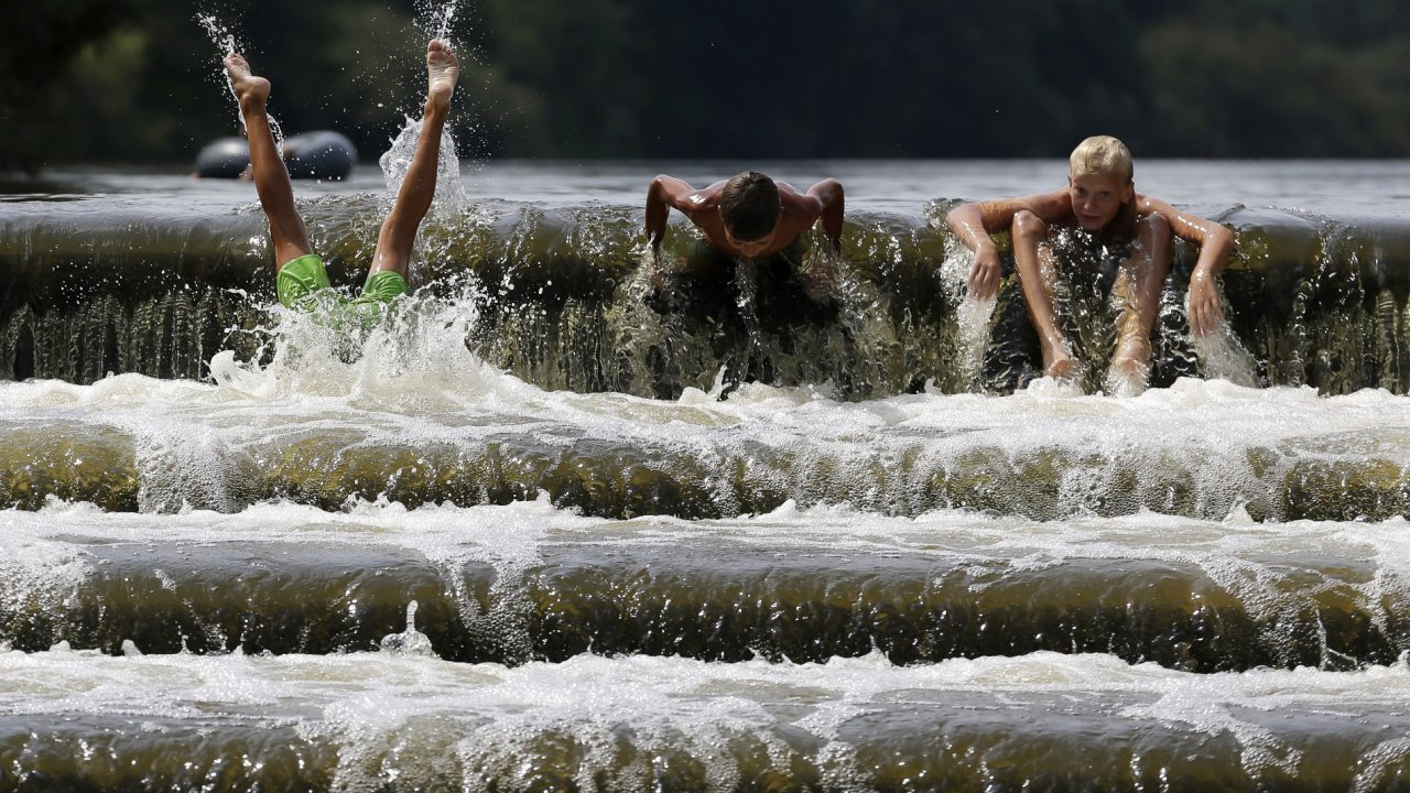 Počasí, vedro, teplo, řeka, Dobřichovice - ilustrační foto