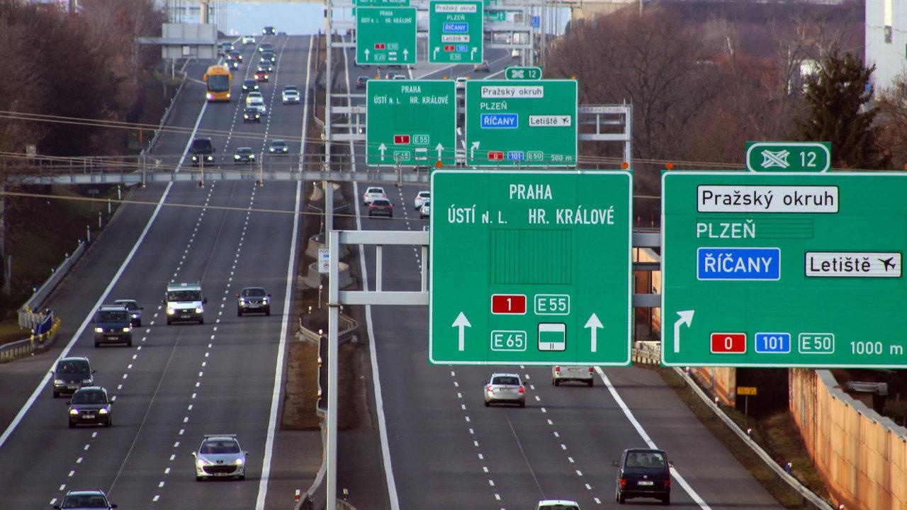 Kremlík podle Babiše manažersky nezvládl kritizovanou zakázku na informační systém pro elektronické dálniční známky. Jde o osmou výměnu v Babišově vládě za rok a půl její existence.