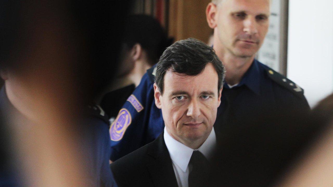 Krajský soud vPraze uzavřel druhou větev korupční kauzy bývalého středočeského hejtmana Davida Ratha.