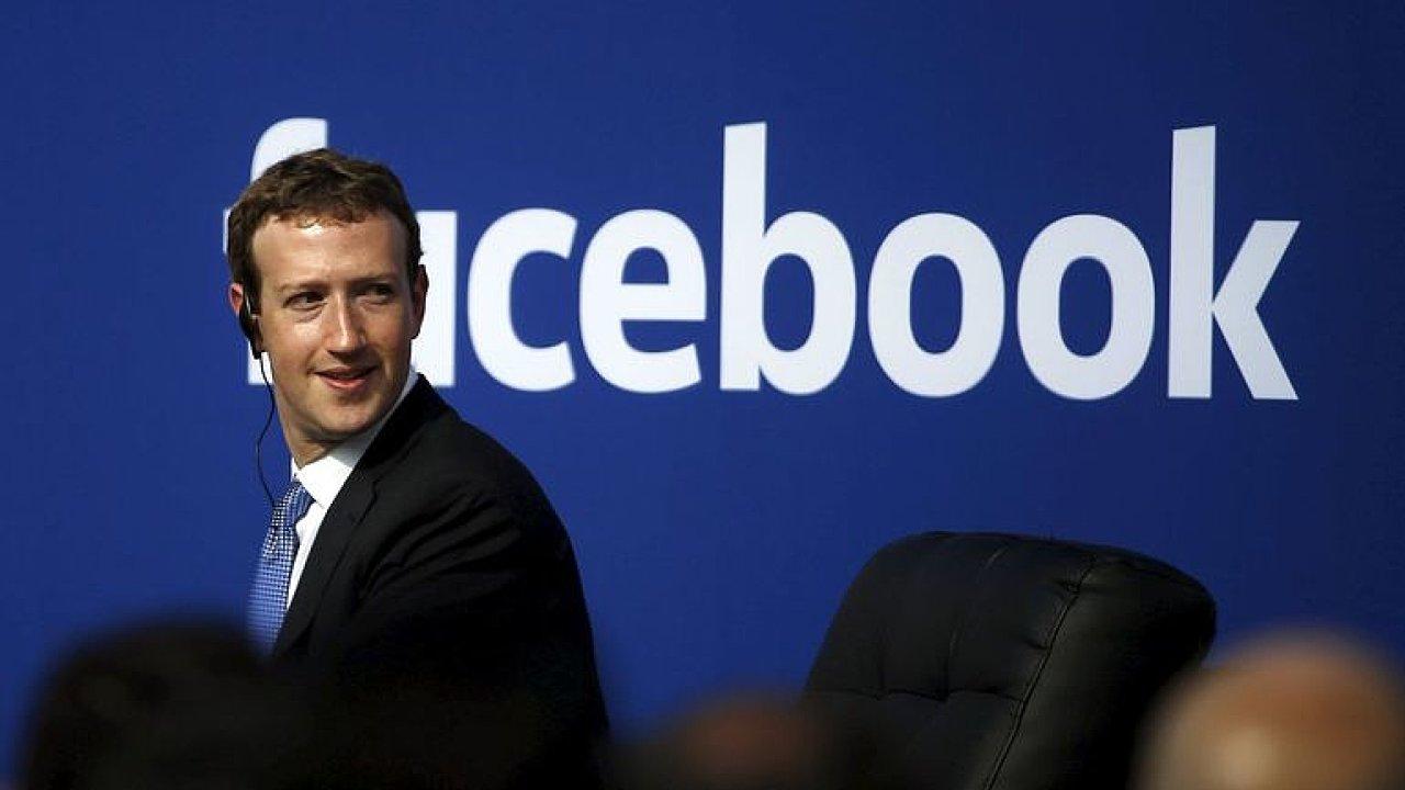 Zuckerberg si z pranýřování své firmy nic nedělá a pro BBC uvedl, že podmínky měnit nebude – značky se prý zase brzy vrátí.