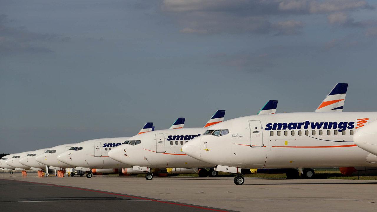 Smartwings nazemi: Kvůli obavám zšíření koronaviru musela firma uzemnit 56letadel své flotily. Zatím Smartwings aČSA létají jen doSplitu, Paříže, Bukurešti, Amsterdamu, Frankfurtu aStockholmu.
