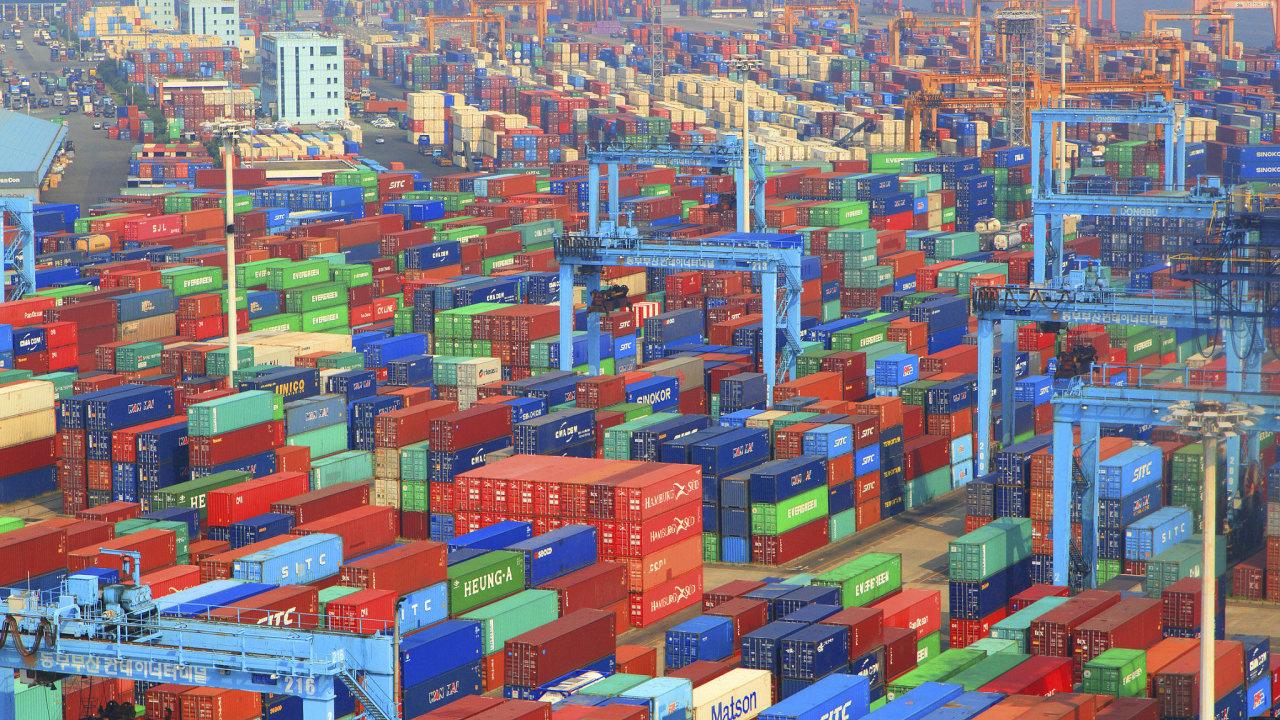 Jižní Korea disponuje šestým největším kontejnerovým přístavem na světě: Busan, hlavní překládkové centrum pro mezinárodní obchod.