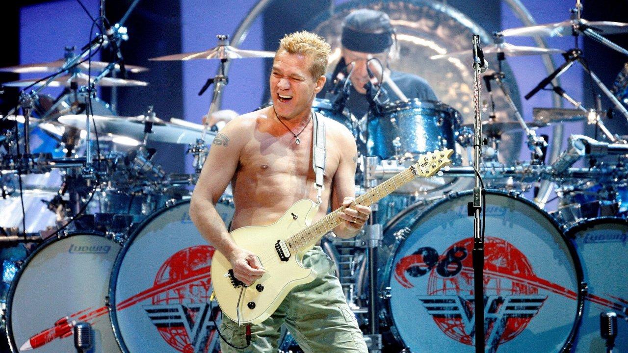 Zemřel Eddie Van Halen.