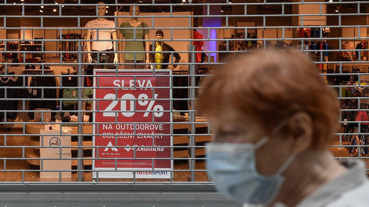 Vláda uvažuje o znovuotevření obchodů.