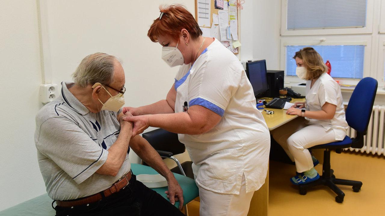 koronavirus očkování Česko