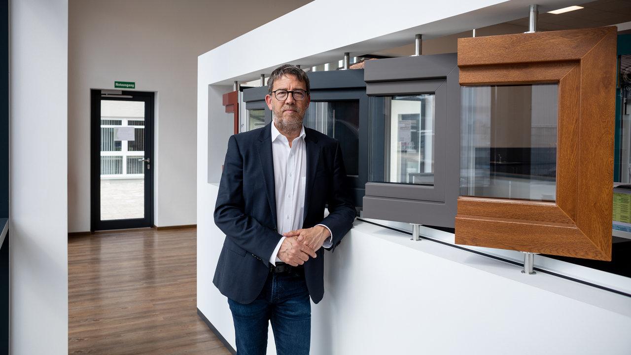 Bernhard Bruckbauer, továrna na okenní rámy, Cham (Německo).