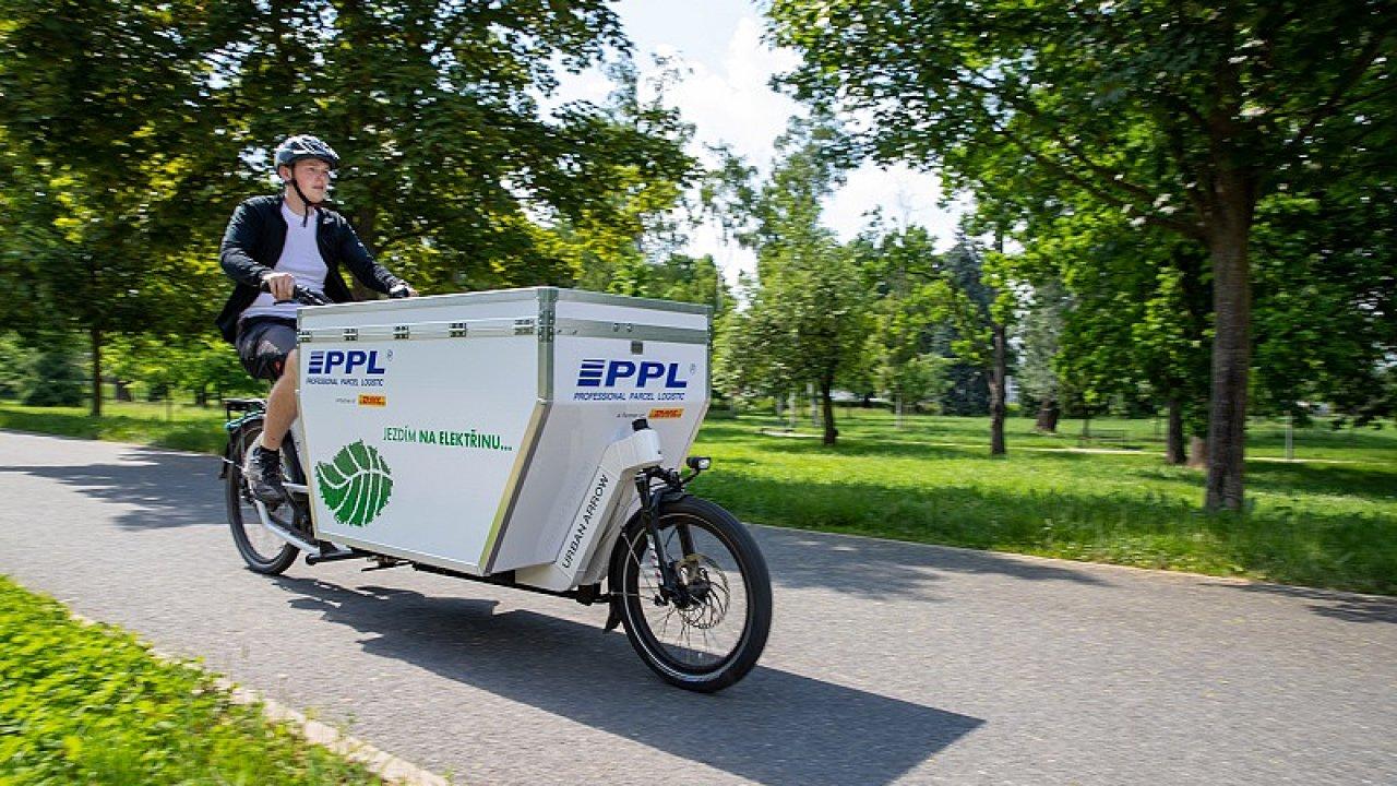 Kurýry PPL na elektrokolech lze kromě Prahy potkat také v v Brně, Olomouci, Hradci Králové, nově také v Liberci a brzy také v Českých Budějovicích (ilustrační snímek).