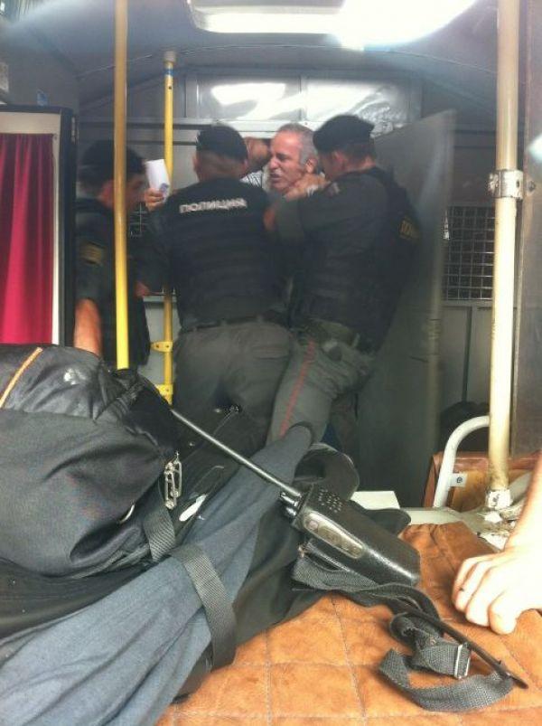 Ruská policie zatýká Garyho Kasparova