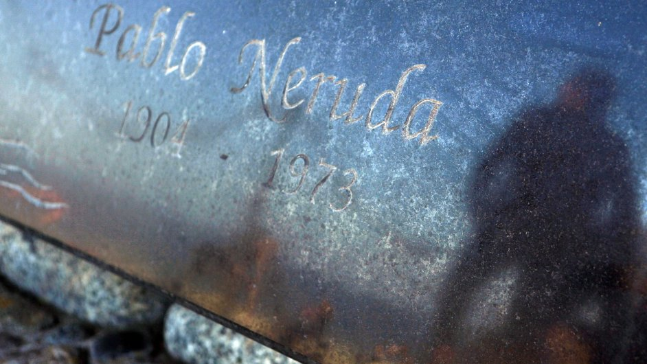 Pablo Neruda zemřel v roce 1973. Teď vědci zjistí proč.