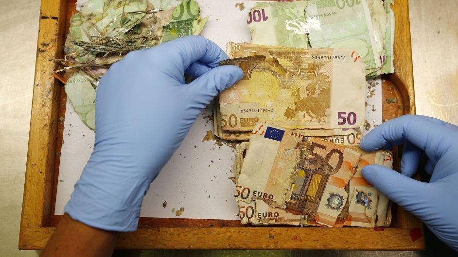 Restaurace bankovek po povodních