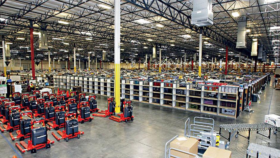Plán Amazonu na stavbu dvou českých distribučních center se komplikuje. (Ilustrační foto)