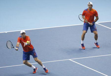 Španělští tenisté Fernando Verdasco a David Marrero ve finále Turnaje mistrů