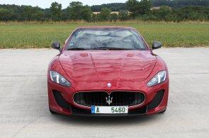 V březnu výrazně narostly prodeje nových aut. Skokany měsíce jsou Dacia a Maserati