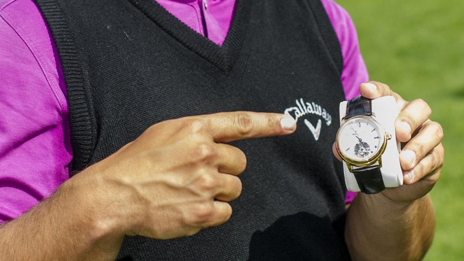 Hodinky v hodnotě jednoho milionu korun vyhrál na Kunětické hoře český golfista Lukáš Tintěra.