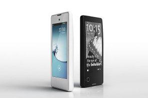Yota Phone: Telefon s e-ink displejem na zádech přišel do Česka, stojí 14 tisíc korun