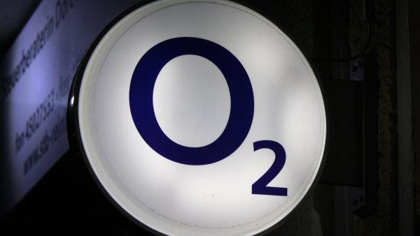 O2 vykoup� akcie za miliardy.