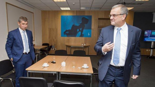 Na n�zk�m rozpo�tov�m schodku vl�dy se podepsal podle expert� i p�edchoz� ministr financ� Miroslav Kalousek.