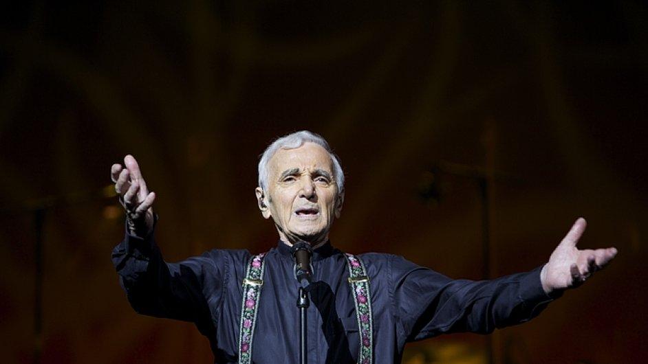 Charles Aznavour měsíc po koncertu v Praze oslaví 92. narozeniny.