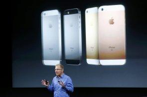 Apple představil nejvýkonnější malý telefon na světě, iPhone SE stojí 13 tisíc korun