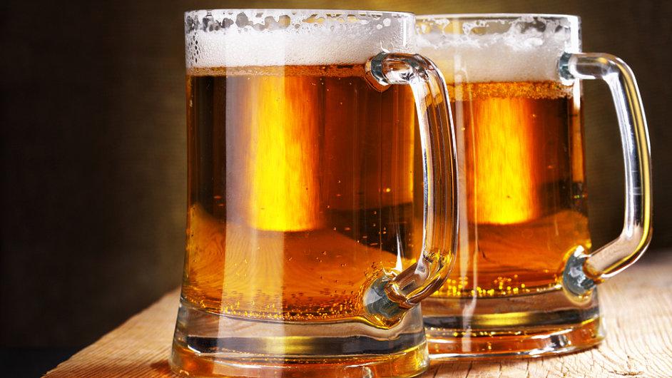 Soutěž v pití piva se koná tento víkend v Praze Na Slamníku.