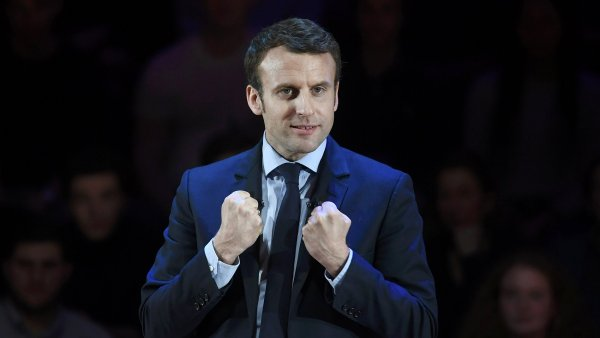 Tandem Macron-Bayrou může být pro Fillona zničující.
