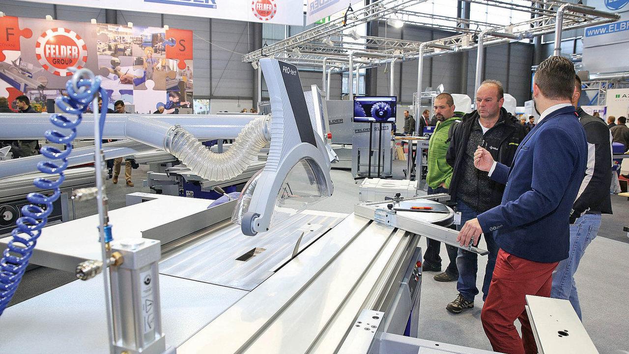 Hlavními tématy veletrhu byly robotizace a automatizace.
