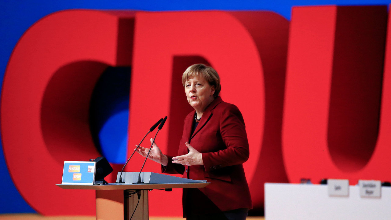 Německá kancléřka Angela Merkelová po osmnácti letech končí v čele CDU.