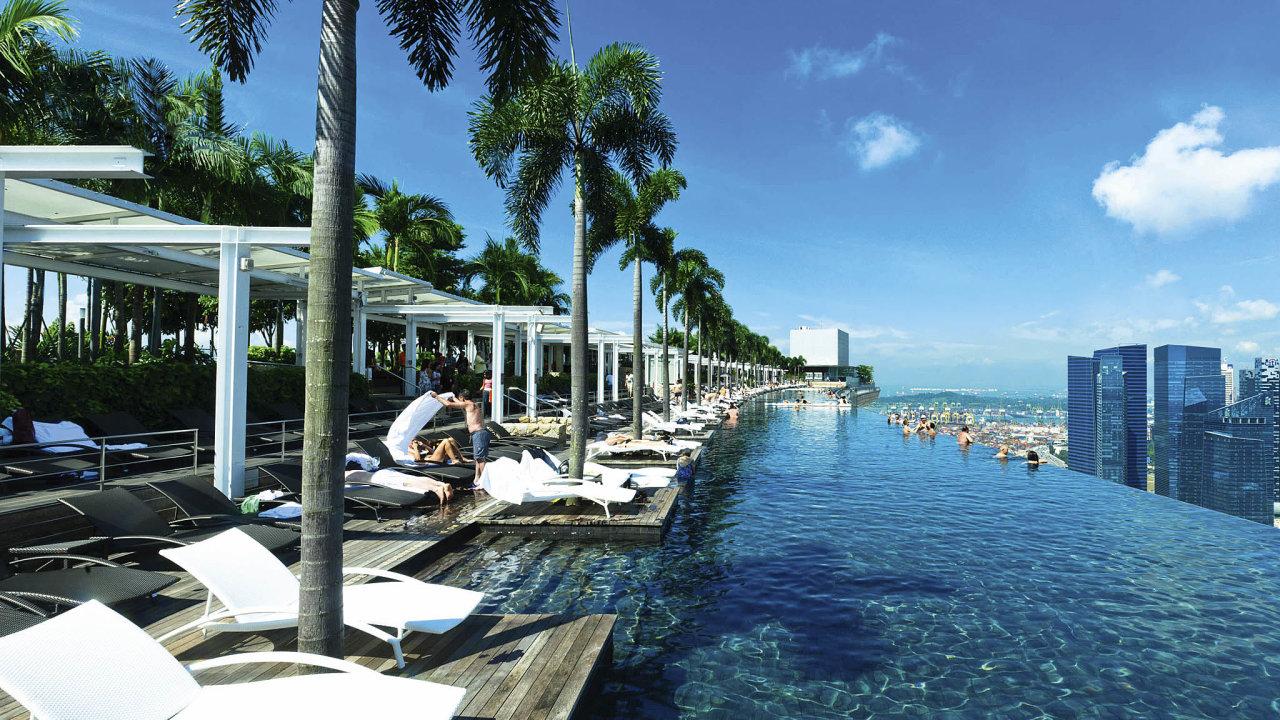 Bazén nastřeše Marina Bay Sands, Singapur