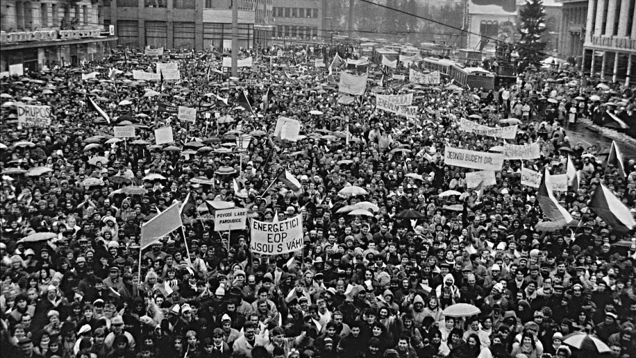 Generální stávka v Pardubicích 27. 11. 1989