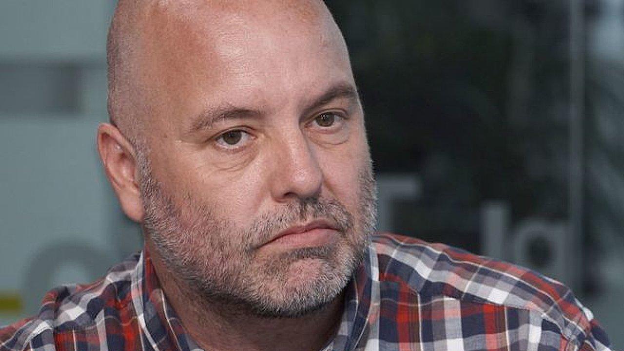Babiš nechce naštvat Zemana. Smrtící mohou být jeho kauzy a podpora SPD, říká Jelínek.