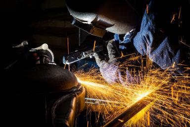 Výroba na konci roku 2019 klesla v celém českém zpracovatelském sektoru třináctý měsíc v řadě.