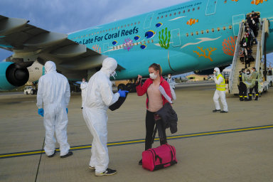 Rušení pravidelných linek z pevninské Číny a Hongkongu kvůli epidemii nového typu koronaviru vedlo ke zvýšení poptávek po letech menšími soukromými letadly.