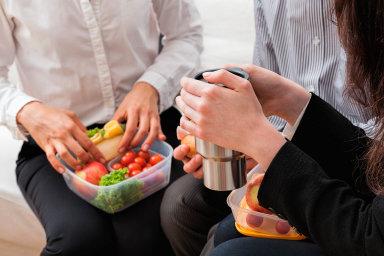 O zdravou stravu roste zájem, navíc jídlo funguje jako tmel kolektivu.