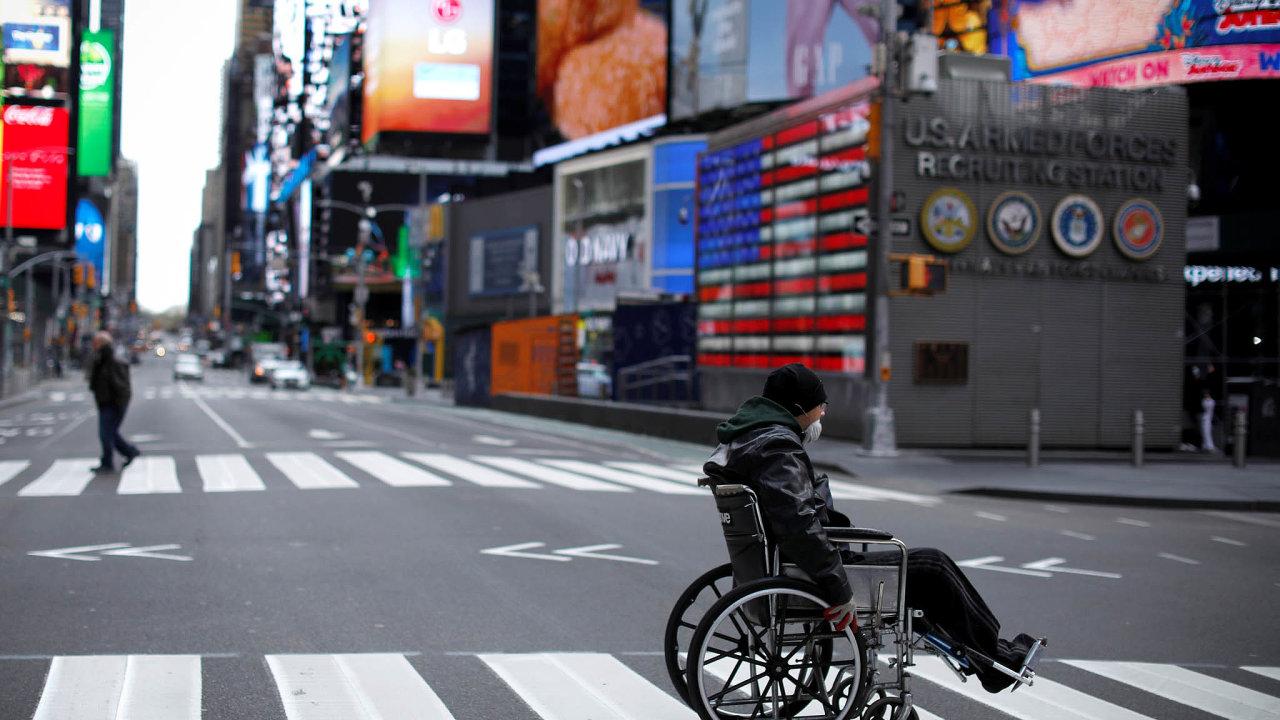 Vamerickém státě New York rekordně narostla bilance úmrtí nanemoc covid-19, oznámil místní guvernér Andrew Cuomo.