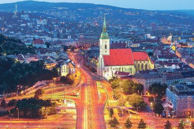 Bratislava je jakýmsi symbolem koncentrované Evropy najednom místě. Jejími výhodami jsou neobjevenost, bezpečnost adostupnost.