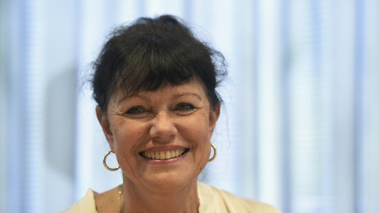 ALENA DERNEROVÁ, senátorka
